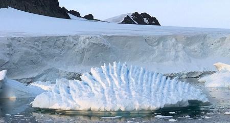 Antarctica: 3 tn Tonnes of Ice Lost since 1992